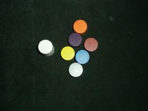 ¡Los mismo colores! Y un token de primer jugador.