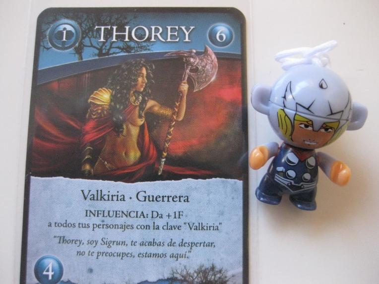 Thor (nuestro marcador de primer jugador) con su novia Thorey. ¡Míralos que felices!