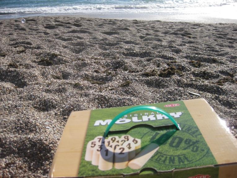 Mölkky en la playa