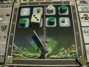 En este final de partida, el jugador blanco sumaría un total de 20 puntos, mientras que el verde tendría 20 puntos.